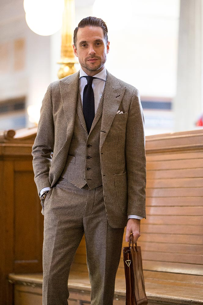 A men's 3 piece suit comes in the following pieces: There is a jacket, trouser and a waistcoat or vest. The vest and especially the length is a matter often discussed in online style & fashion forums.