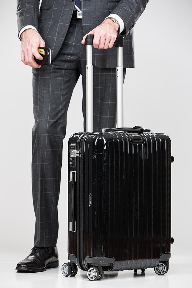 Best Luggage For Business Travel Suits