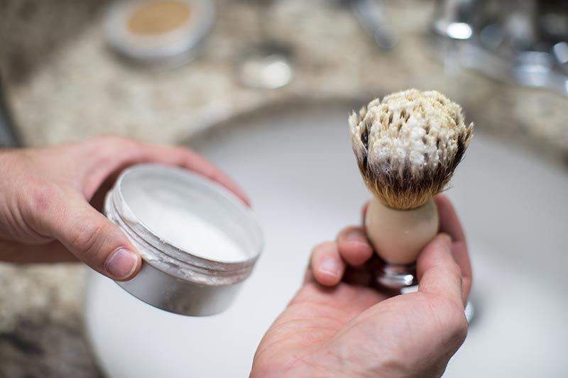 how to use shaving brush