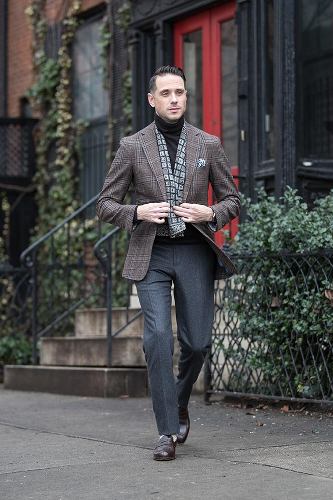 dapper-outfit-ideas-men-winter-plaid-blazer-turtleneck-scarf-grey-flannel-pants-7
