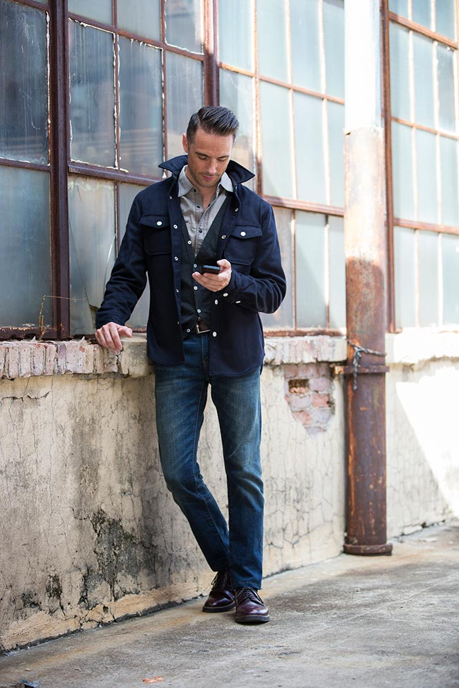 ways-to-wear-cardigan-weekend-casual-shirt-jacket-shacket-jeans-layering