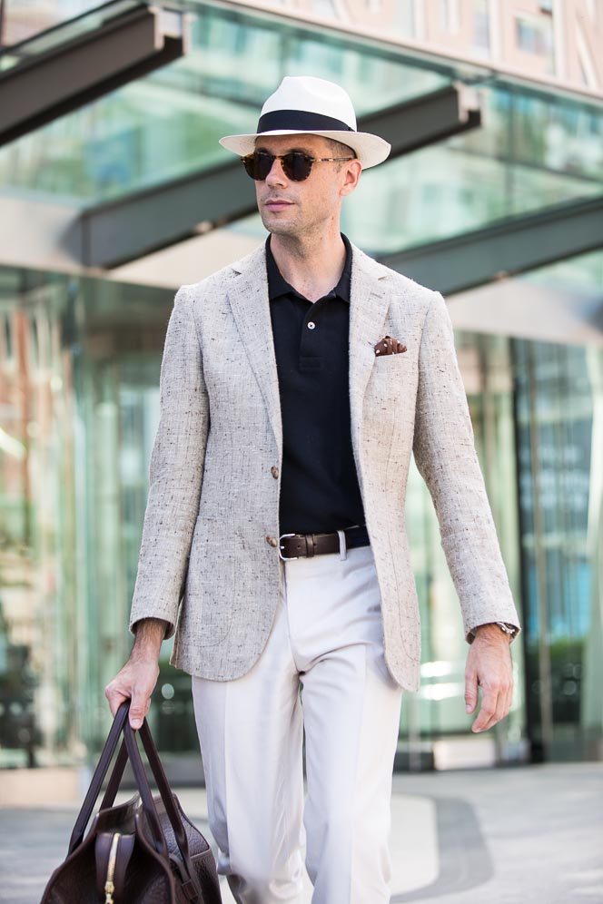 what to wear to airport men